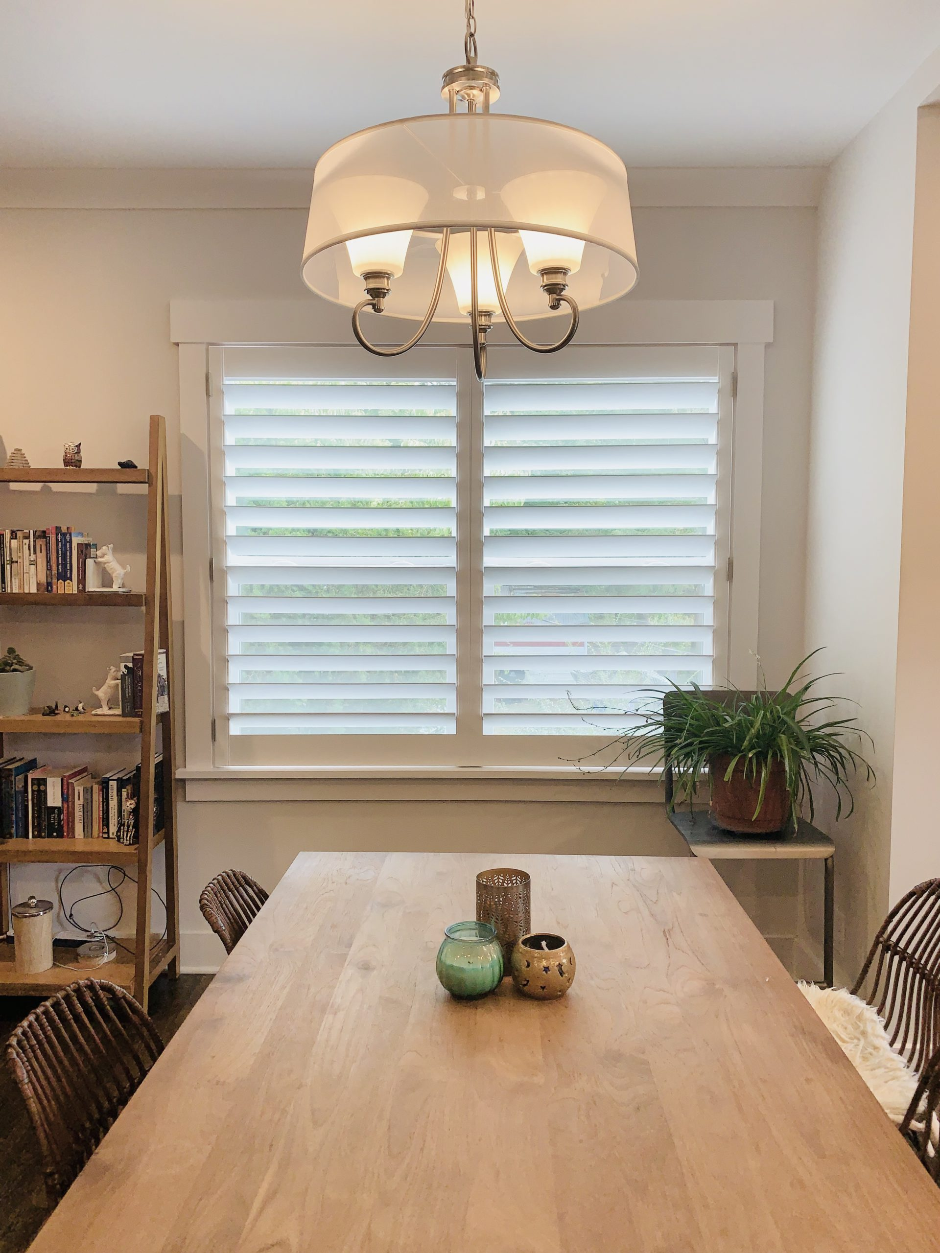 Hidden_Tilt_Plantation_Shutters