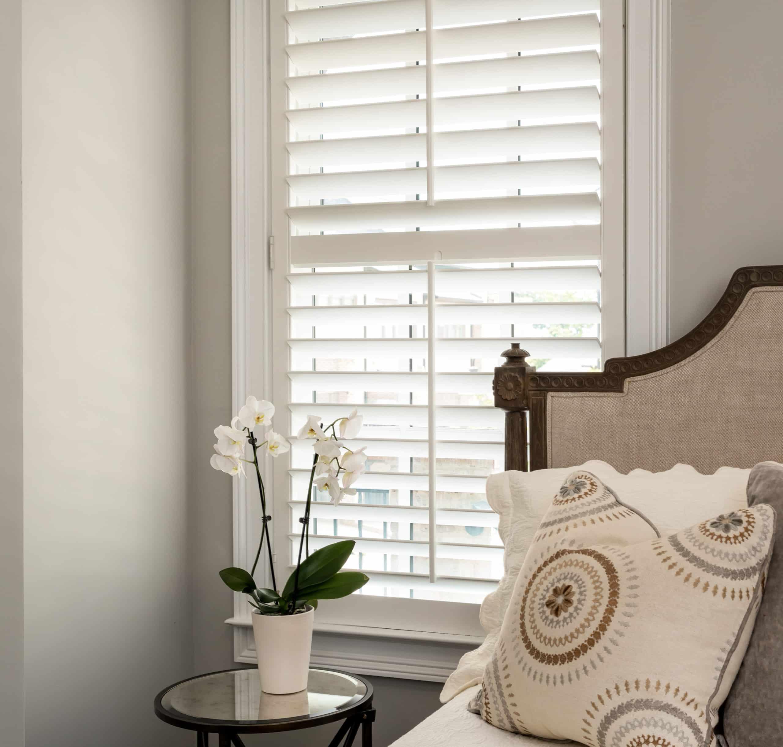 plantation_shutters_bedroom