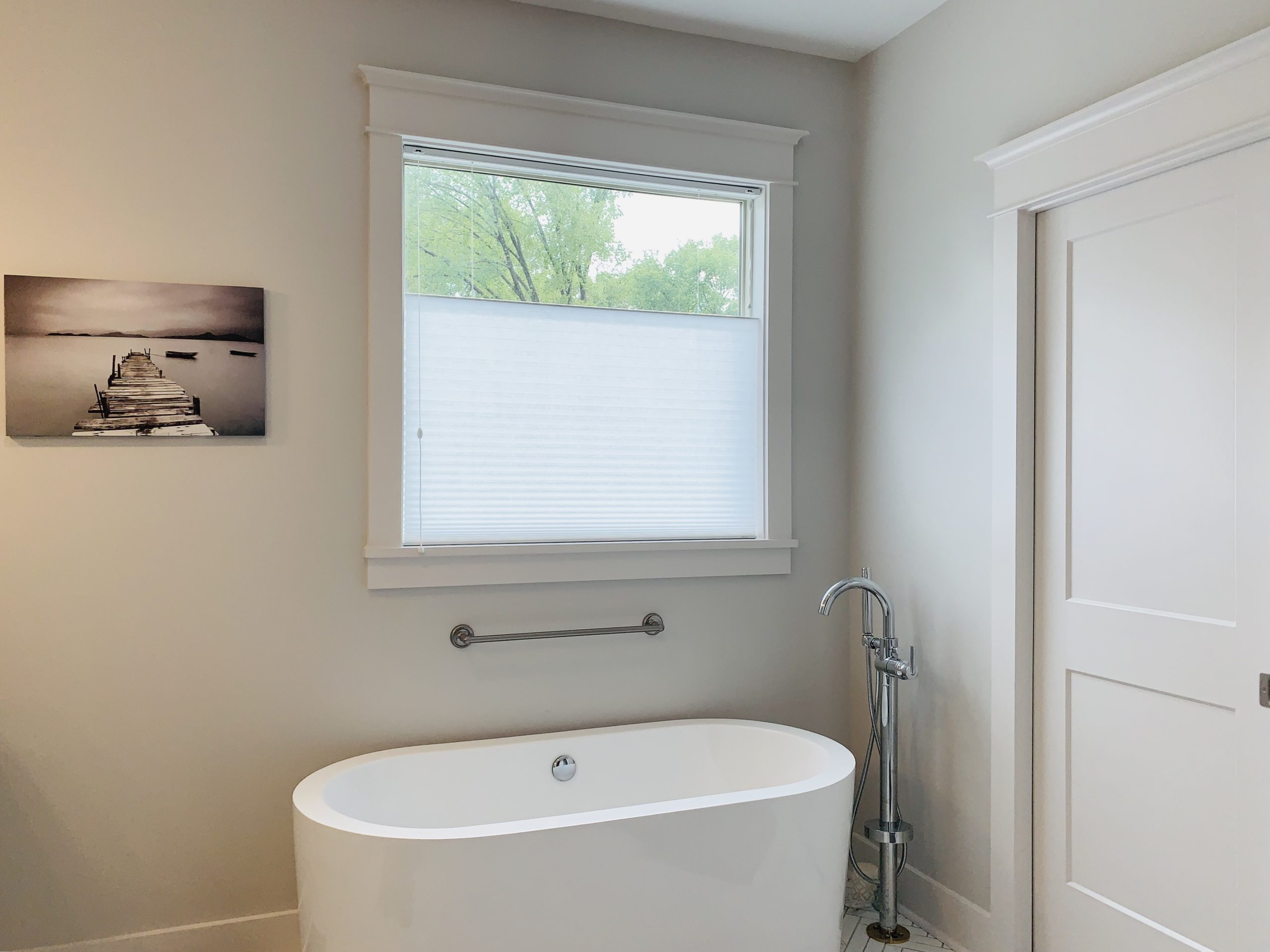 Cellular_Shades_Master_Bathroom