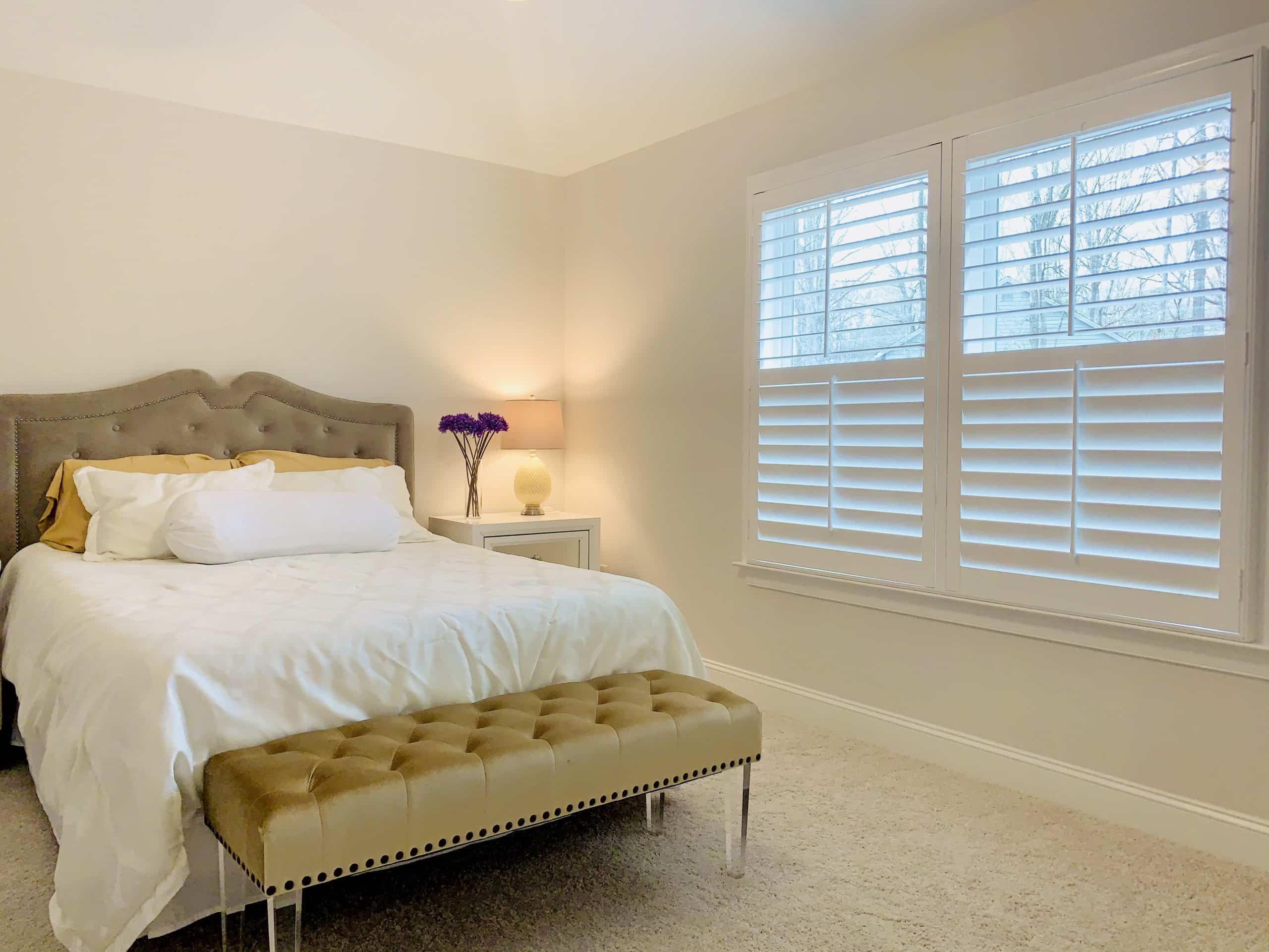 interior_shutters_bedroom