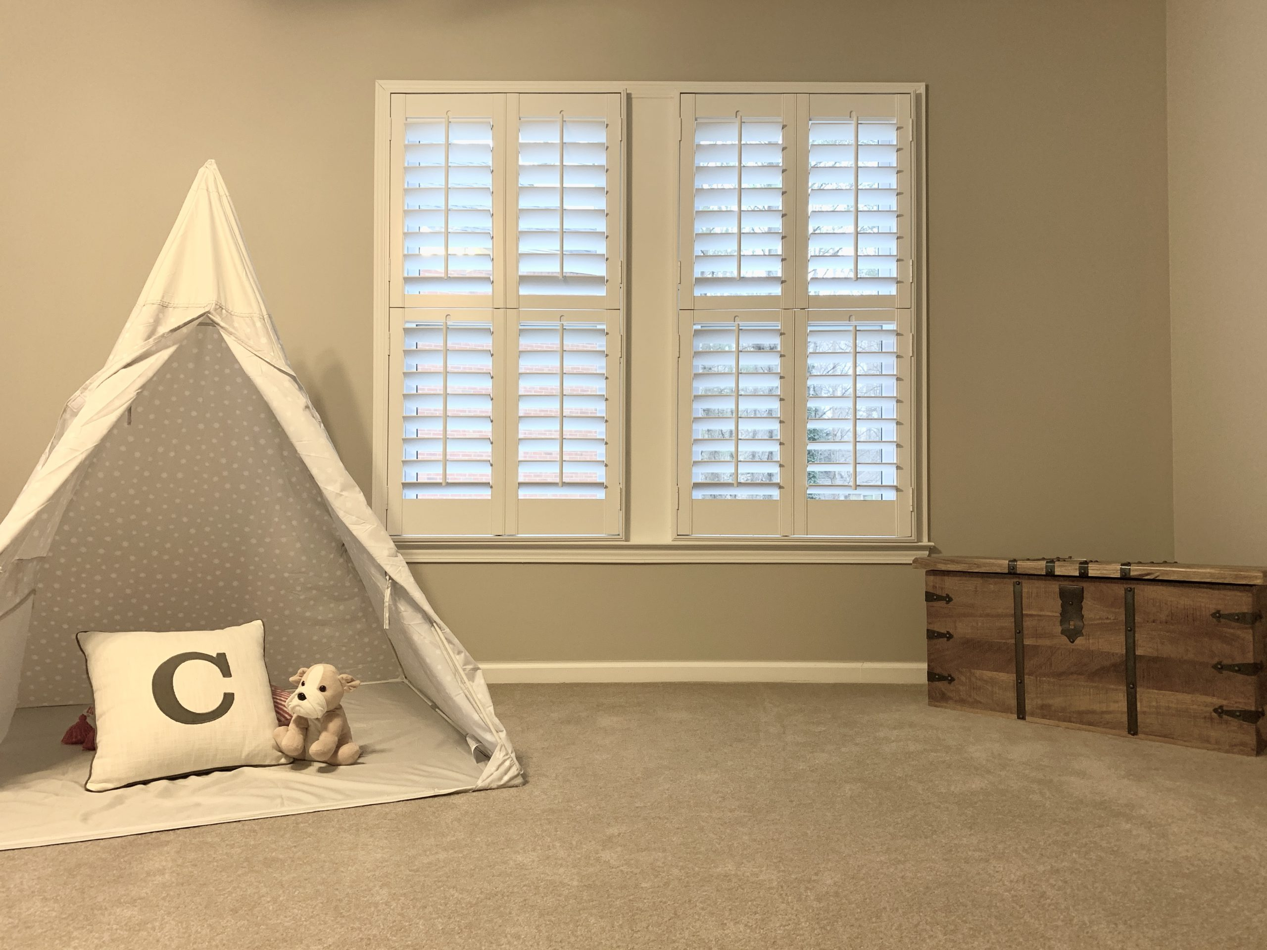plantation_shutters_playroom