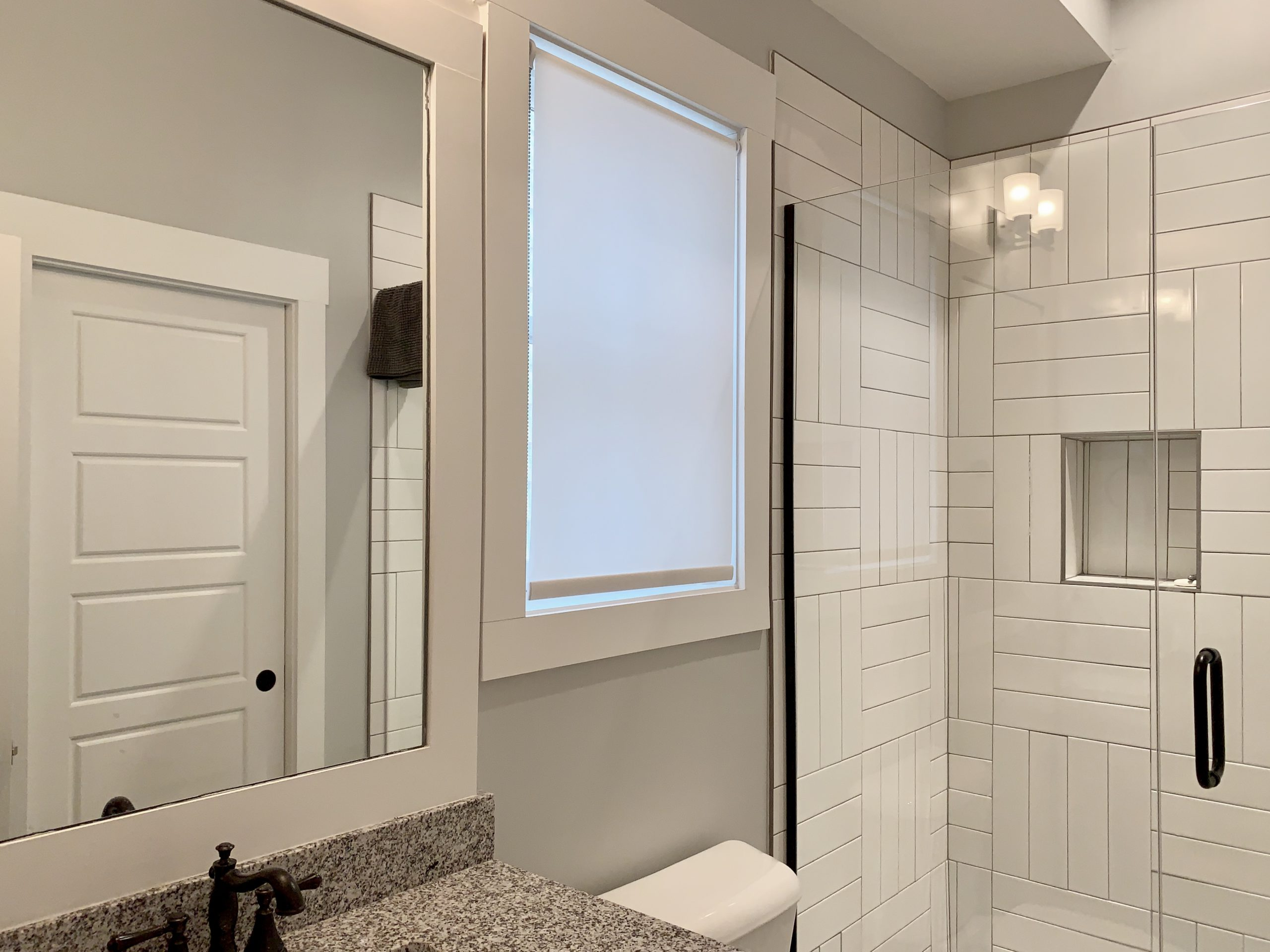 Roller_Shade_Bathroom