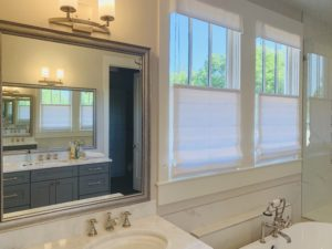 roman_shades_bathroom