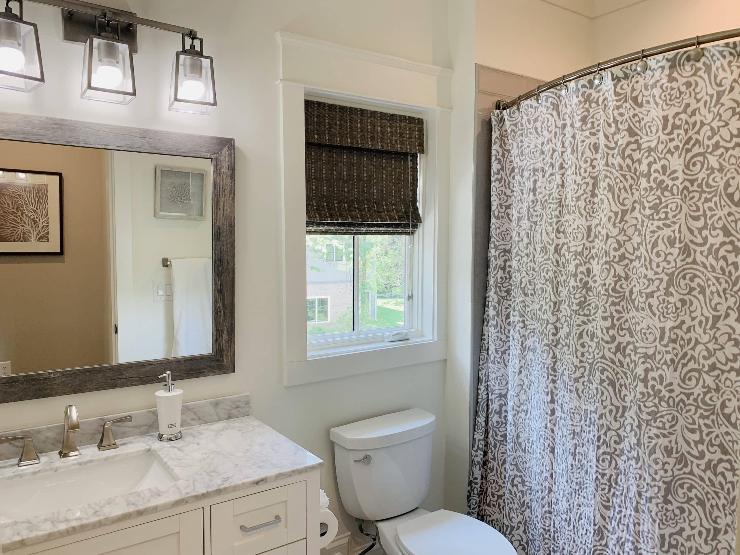 Woven_Shades_Guest_Bathroom
