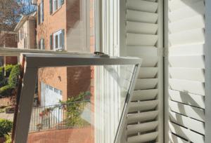 tilt_in_window_plantation_shutters
