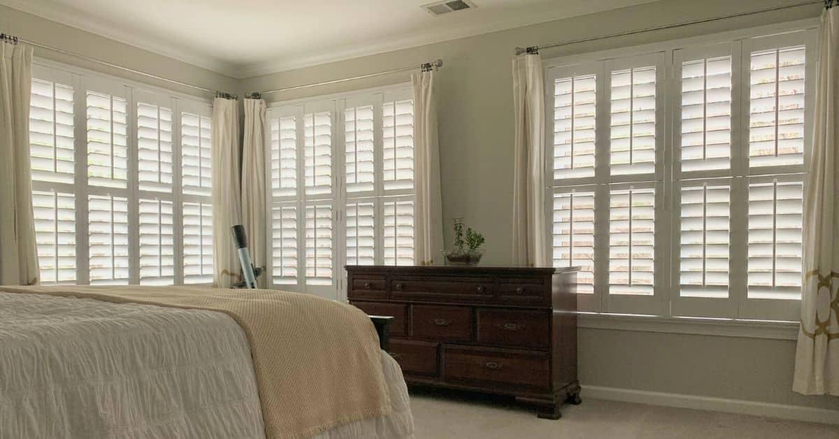 interior_shutters_bedroom_acadia